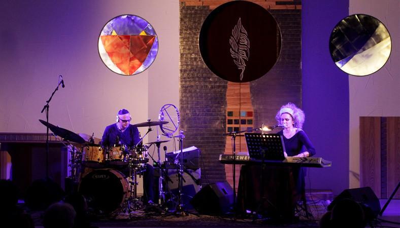 Oona Kastner und Pvel Fajt sind pavonn und spielen in der neuen Synagoge Bielefeld ihr Prgramm levantis
